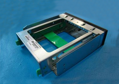Hard drive carrier assembly - For inserting 3.5-inch drive into optical disk drive bay